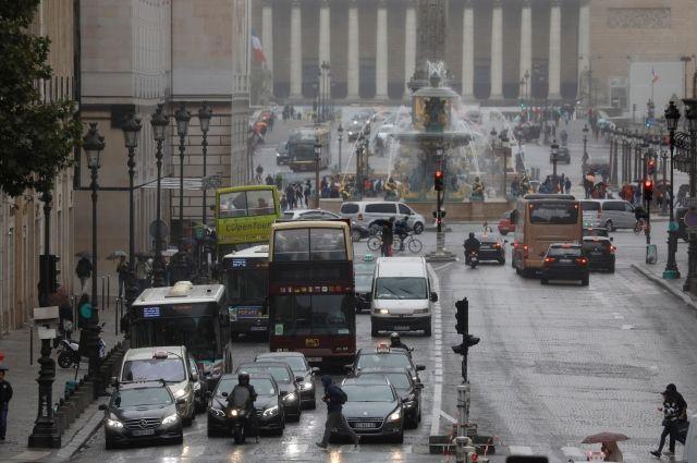 Париж вводит запрет налюбой транспорт сДВС с2030 года