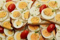 Куриные яйца - лучший завтрак для спортсмена.