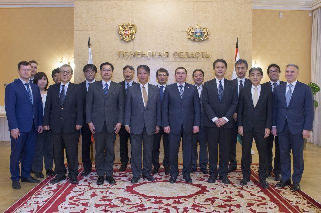 Владимир Якушев обсудил перспективы сотрудничества с послом Японии