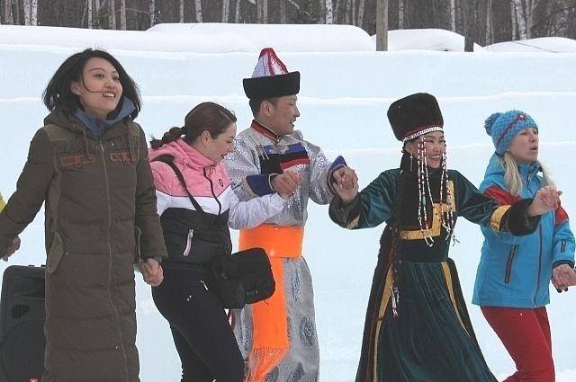 Национальная составляющая сибирских фестивалей привлекает как российских, так и иностранных туристов.