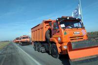 Более 200 машин вышли на парад-смотр техники в Тюмени