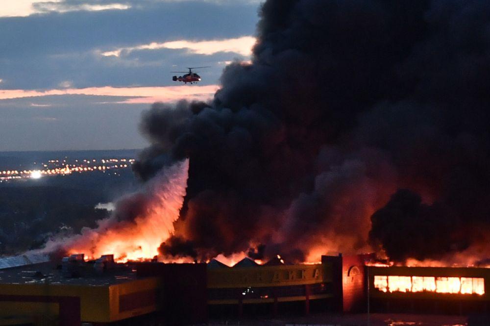 8 октября. Пожар в торговом центре «Синдика» в районе Строгино.