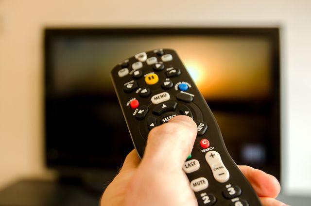 ВБрянске продавщица украла уколлеги телевизор изподсобки