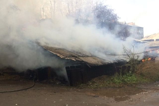 Ночью сгорела дача у 68-летней женщины.
