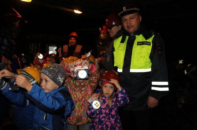 Автоинспекторы вручат световозвращатели тюменским пешеходам