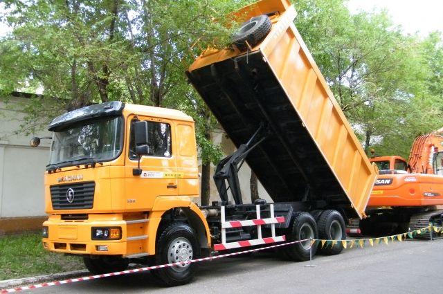 ВКургане мусоровоз поломал газовую трубу