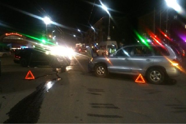 ДТП произошло на пересечении улиц Вертковской и Станиславского