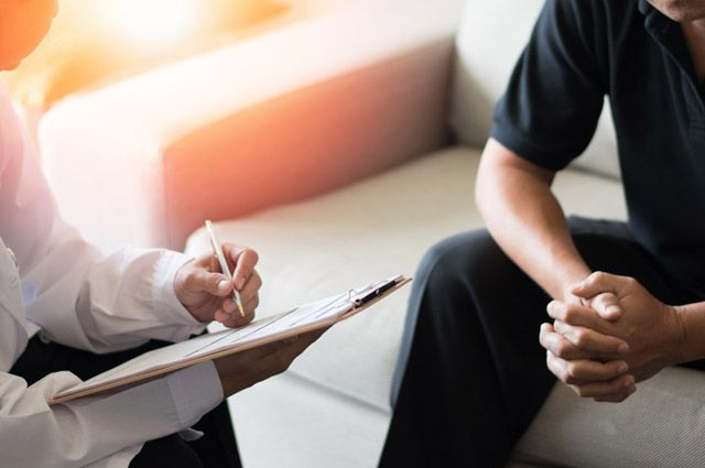Не запускать и не заниматься самолечением. Как сохранить мужское здоровье?