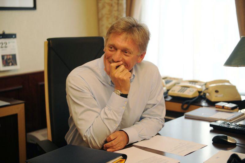 Дмитрий Песков в своем рабочем кабинете. 2014 год.