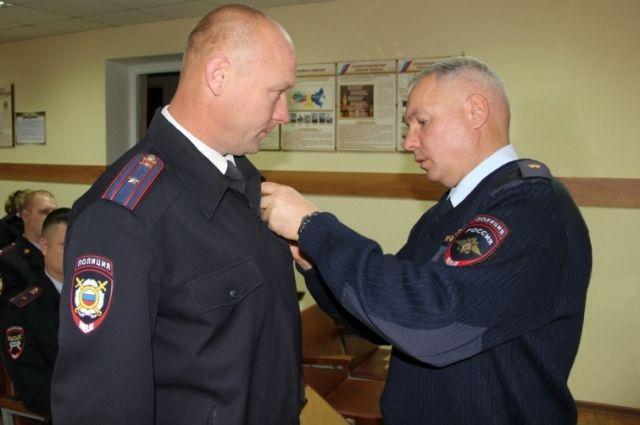 В Красноярском крае наградили полицейского за спасение ребенка