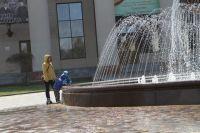 Тюменцы предположили, что от фонтанов бомжей отпугивают током