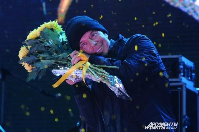 Прошлый концерт в Перми Олег Газманов давал на Дне рождения городской набережной.
