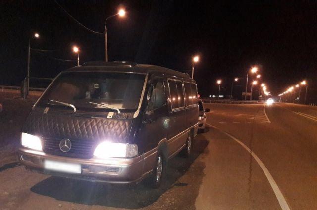 Нетрезвый шофёр маршрутки спассажирами схвачен натрассе вИркутской области