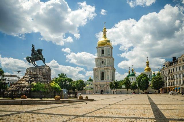 ВКиеве Нацгвардия оцепила государственный квартал