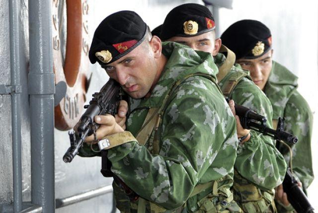 Морская пехота на учениях высадилась на необорудованное побережье Камчатки