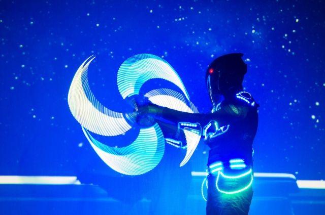 Все зрители станут учениками «Космической академии» и вместе с героями - отважными рейнджерами Астрой и Лео совершат путешествие по планетам и космическому пространству, выполняя увлекательные задания.