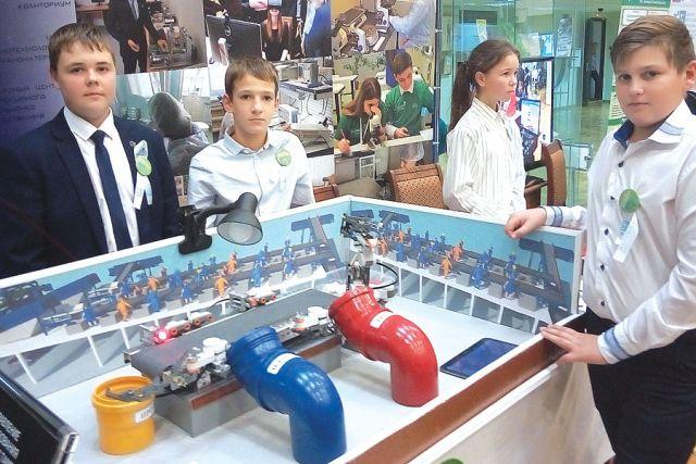 Ребята из Избердеевской школы озабочены вопросами сортировки мусора.