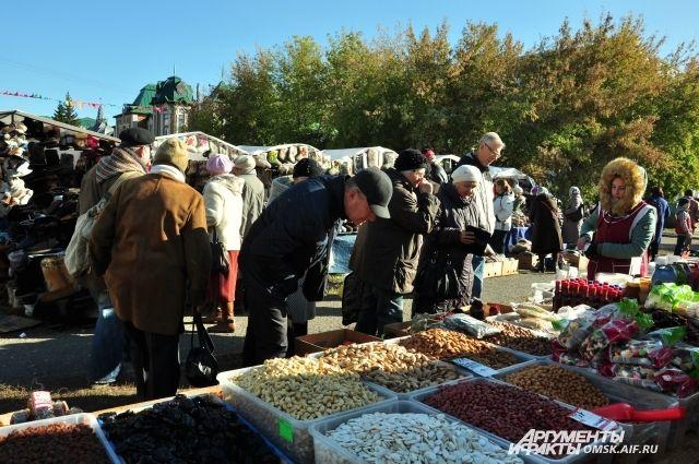 Таркосалинцы раскупили почти всю продукцию на белорусской ярмарке