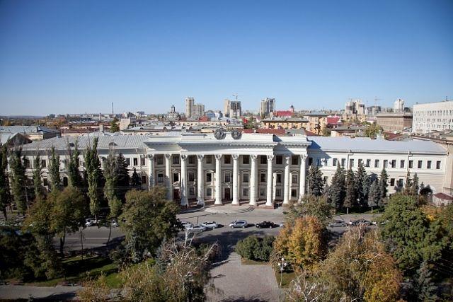 ВВолгограде политсовет «Единой России» обсуждает женщину
