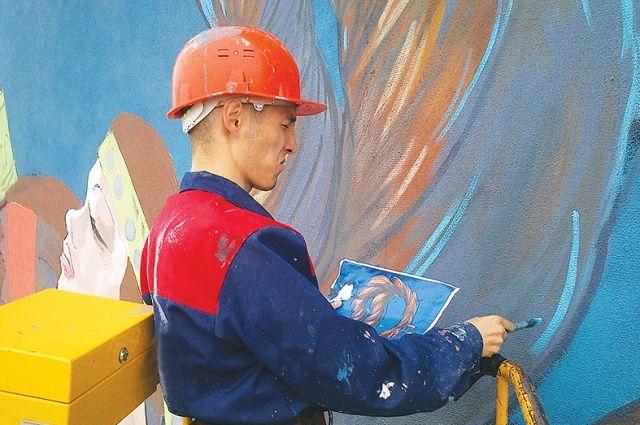 Долговечность рисунка зависит от поверхности, грунтовки и красок.
