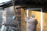 Закир Мухаметзянов живёт в этом бараке, построенном почти 70 лет назад, 17 лет.