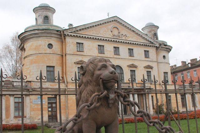 Сроки выселения Европейского университета продлили до1ноября