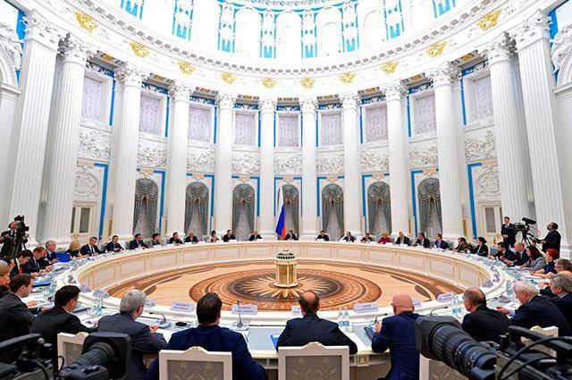 «Нужны решения». В Кремле обсудили защиту лесов и борьбу с полиэтиленом