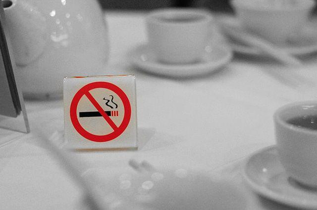 В России хотят расширить список мест, где нельзя курить