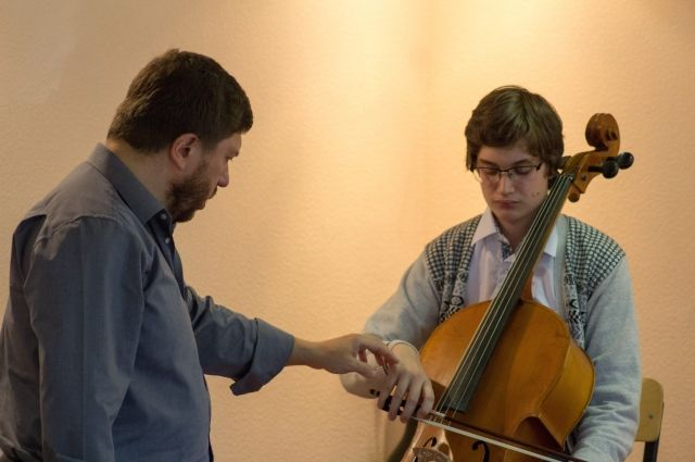 Музыканты из Санкт-Петербурга проводят открытые мастер-классы в Кемерове.