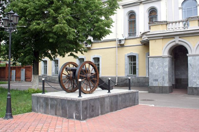 Казанский пороховой завод купит джип за3,3 млн руб.