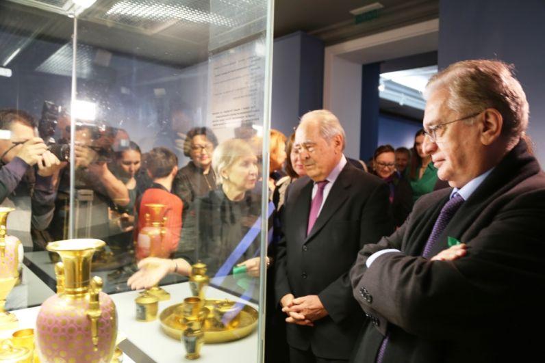 Выставку и экскурсию провел Директор Государственного Эрмитажа Михаил Пиотровский.