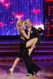 Телеведущая Ксения Собчак и танцор Евгений Папунаишвили на съемках проекта «Танцы со звездами». 2010 год.