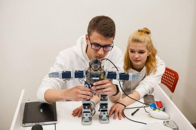 Посетители выставки смогут самостоятельно собрать робота.