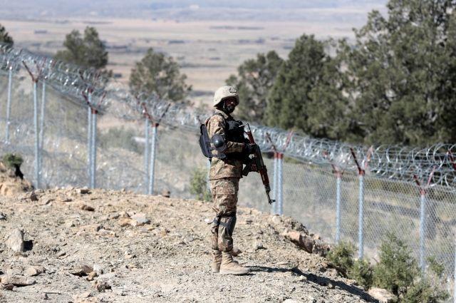 Экс-глава Афганистана: военные США не решат проблемы с терроризмом в стране