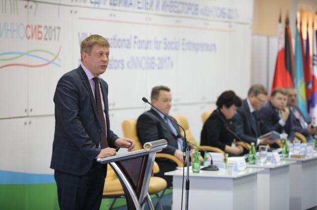 Алексей Фирсов рассказал, что омичей не устраивает в своём городе.