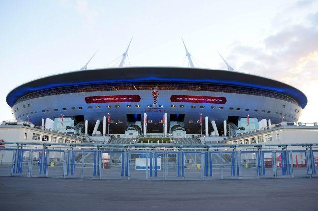 Поле стадиона наКрестовском острове выкатят кначалу зимы
