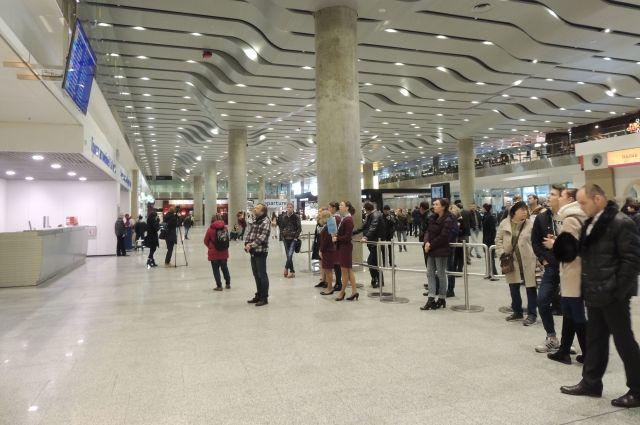 В Пулково из-за проверки временно прекратили работу 40% трапов