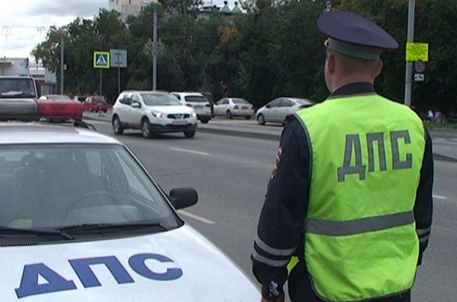 В Севастополе водитель грузовика сбил двух детей на пешеходном переходе