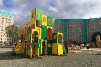 В Оренбурге устанавливают одну из самых больших в стране игровых площадок.