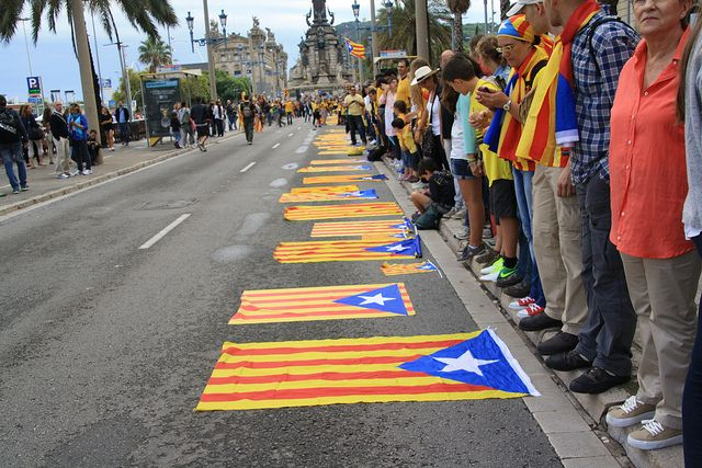 Монарх Испании уверен, что Мадрид решит проблему Каталонии