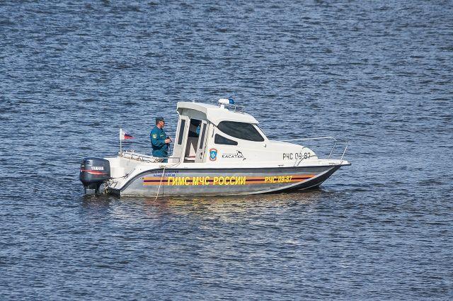Перевернулся налодке: вПерми cотрудники экстренных служб отыскали уозера обессиленного рыбака