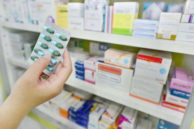 Лекарства как еда? Почему нельзя продавать вмагазинах таблетки