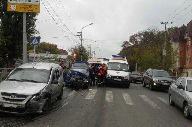 4 человека пострадали встолкновении 2-х автомашин вСтаврополе