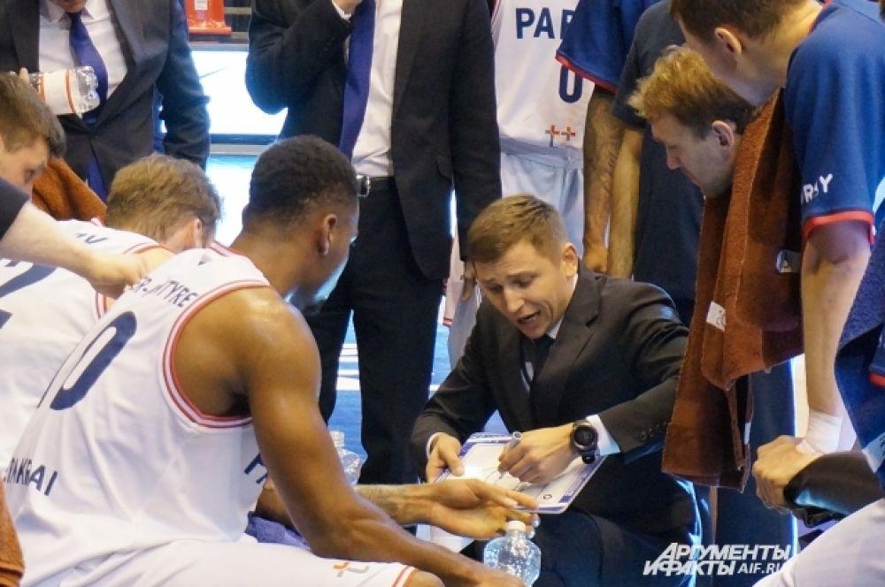 Главный тренер баскетбольного клуба «Парма» Николайс Мазурс.
