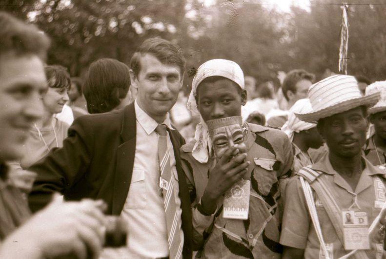 1985 год. Олег Набоков среди участников фестиваля.