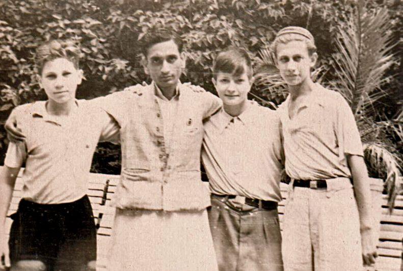 60 лет спустя таганрожец Олег Набоков поделился воспоминаниями об участии в VI и XII Всемирных фестивалях молодёжи и студентов в Москве.