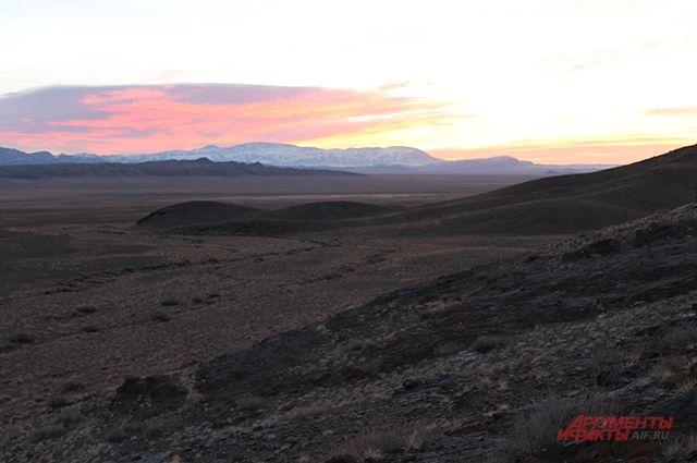 Десять альпинистов погибли в горах Монголии