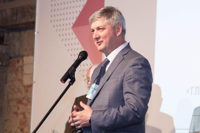Убыточные городские учреждения Воронежа назвал мэр Александр Гусев