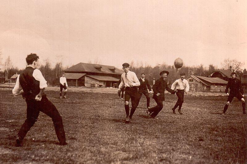Тренировка футболистов.
