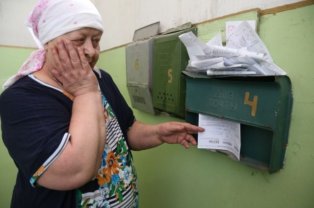 Ежемесячно с омичей взыскивают 58 млн рублей.